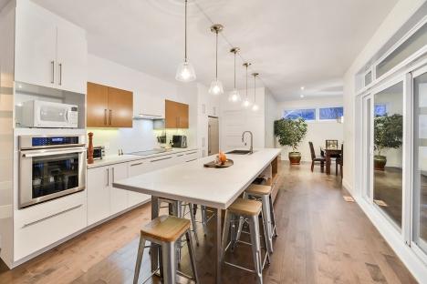 Kitchen 4-4987
